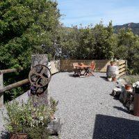 courtyard breakfast table L